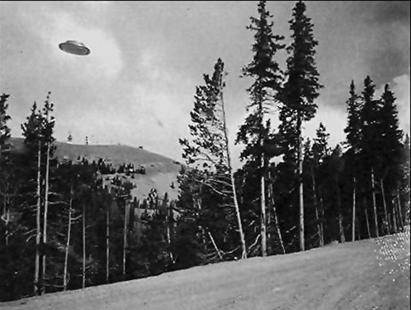 Daylight Disc Sighting in 1927 (Courtesy of UFOcasebook.com)